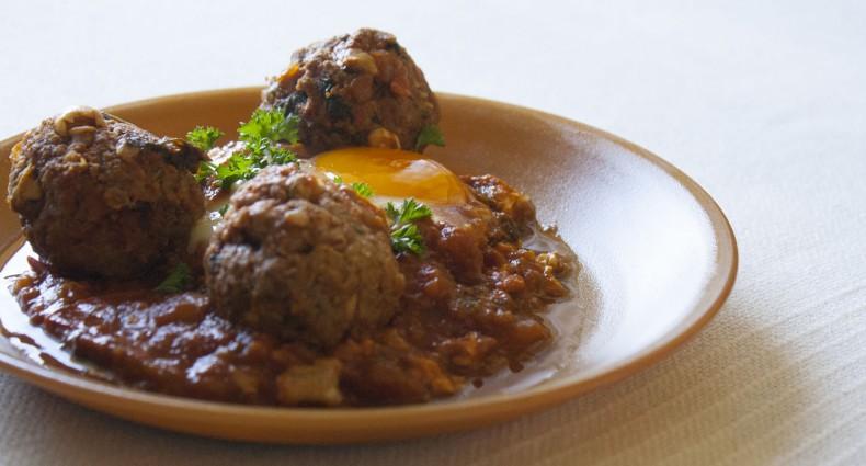 recette-tajine-oeuf-boulettes-viandes-kefta